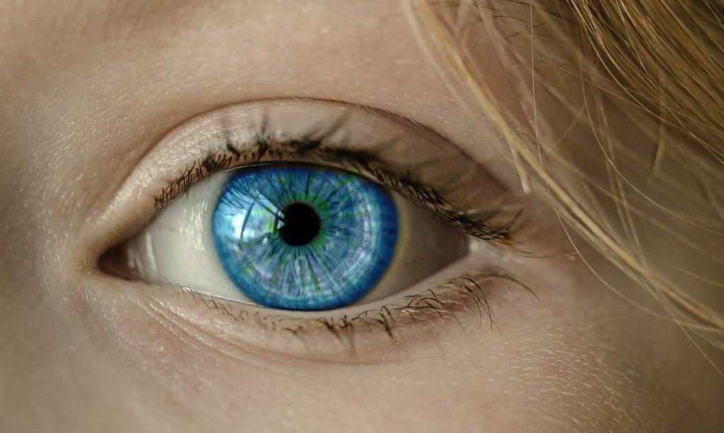 avantages-lentilles-contact